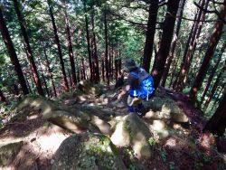 <2017.9.29> 巨岩ゴロゴロで登りも下りも楽しい「石老山」